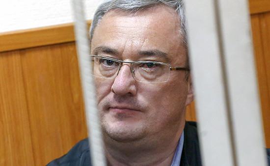 Экс-глава Республики Коми Вячеслав Гайзер вовремя рассмотрения ходатайства следствия обаресте поделу оборганизации преступного сообщества имошенничестве вБасманном суде, 20 сентября 2015 года