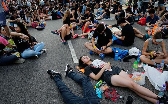 Протестующие на улицах Гонконга