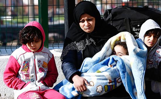 Мигранты втурецком городе Дикиле посленеудавшейся попытки добраться доГреции