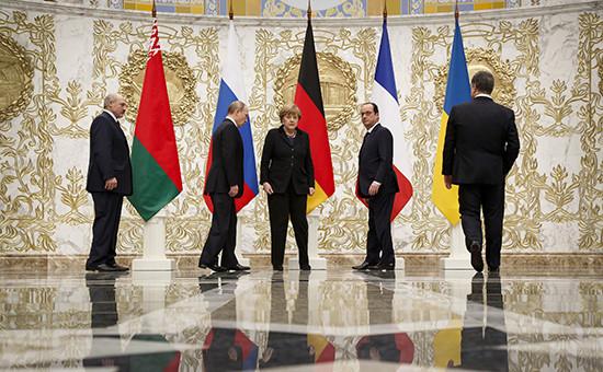 Президент Белоруссии Александр Лукашенко, президент России Владимир Путин, канцлер Германии Ангела Меркель, президент Франции Франсуа Олланд и президент Украины Петр Порошенко