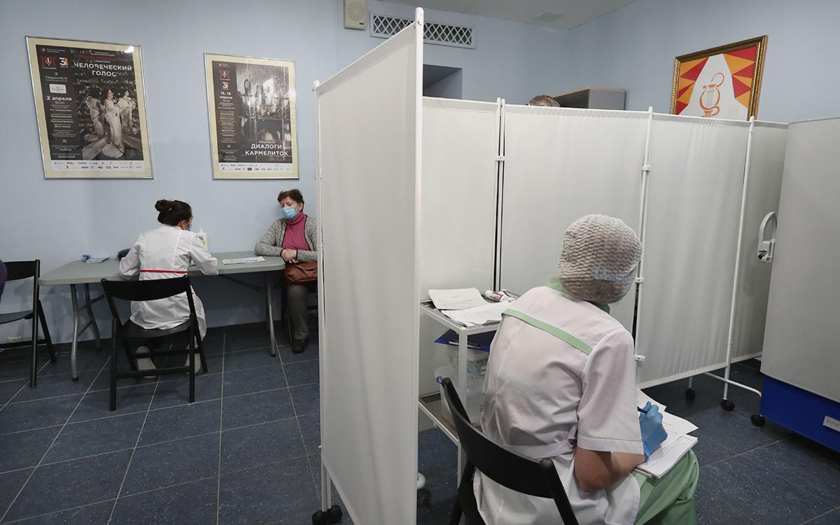 Власти Москвы назвали число привитых от коронавируса