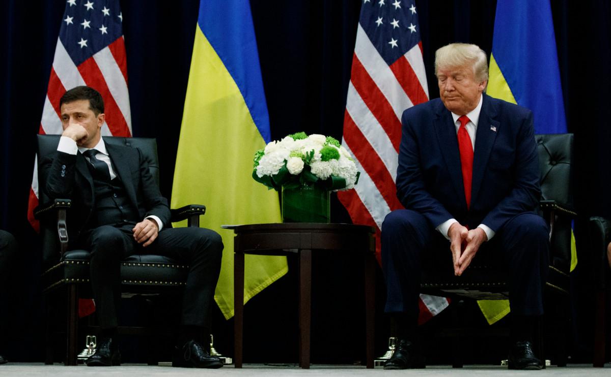 Владимир Зеленский (слева) и Дональд Трамп (справа)