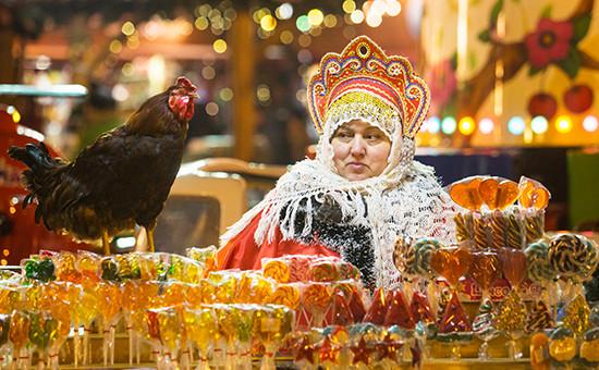 Новогодняя ярмарка на Красной площади. Декабрь 2016 года