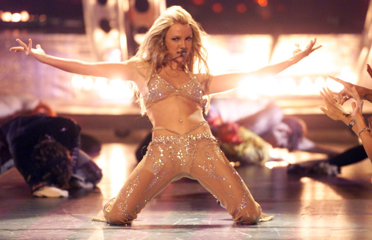 Шоу Бритни Спирсна премииMTV Video Music Awards, 2000