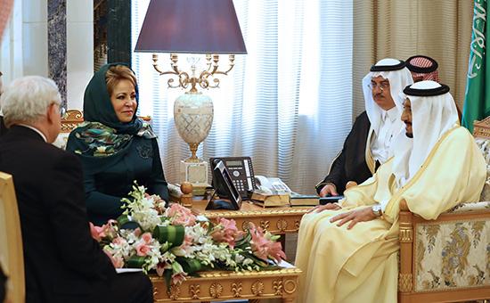 Валенина Матвиенко и король Саудовской Аравии Салман ибн Абдул-Азиз Аль Сауд (справа)