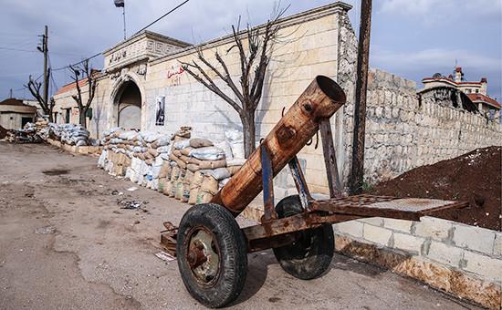Самодельная минометная установка у штаба оппозиционной вооруженной группировки Джейш Ас-Сувар врайоне города Азаз