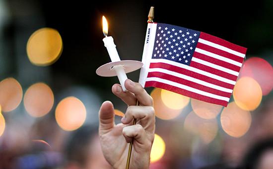 Америка скорбит пожертвам кровавой расправы вночном клубе города Орландо