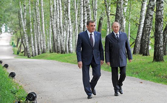 Исполняющий обязанности губернатора Тульской области Алексей Дюмин и президент России Владимир Путин (слева направо)