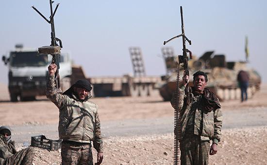 Бойцы Сирийских демократических сил в Ракке. Февраль 2017 года