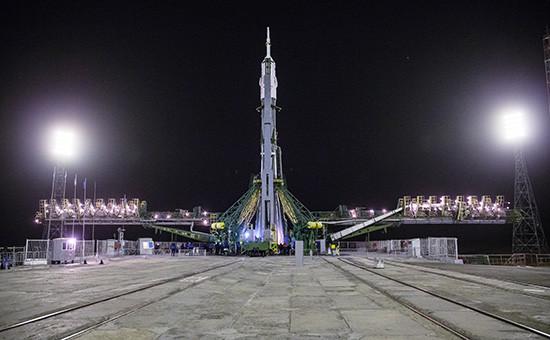 Ракета-носитель «Союз-ФГ» странспортным пилотируемым кораблем «Союз ТМА-20М» настартовом комплексе космодрома Байконур