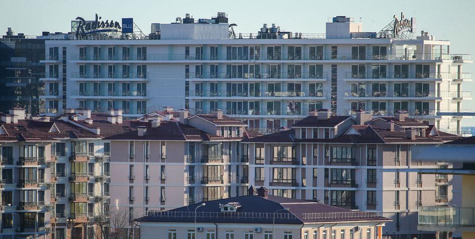 Вид на дома в Олимпийском парке в Сочи