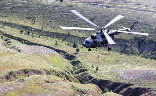 Военный вертолет Ми-8  Архивное фото