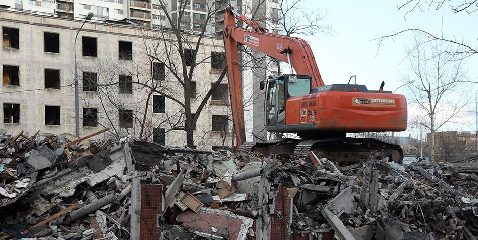 Снос жилого пятиэтажного дома наулице Яблочкова вБутырском районе. 2017 год
