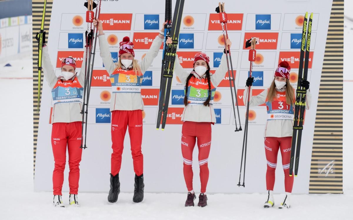 Лыжницы сборной России Наталья Непряева, Татьяна Сорина, Юлия Ступак и Яна Кирпиченко.