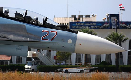 Глава Пентагона допустил взаимодействие сРоссией лишьповопросам, необходимым длябезопасности пилотов. На фото российский истребитель Су-30СМ наавиабазе «Хмеймим»