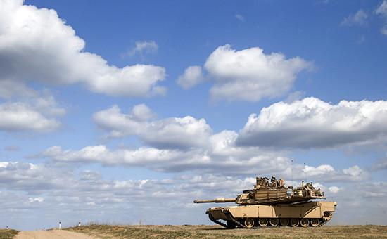 Американский танк абрамс на военных учениях в Польше. Архивное фото