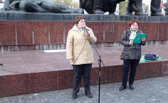 Наталья Федорова (слева)