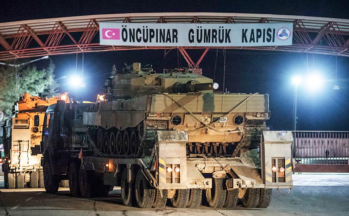 Турецкая военная техника на турецко-сирийской границе
