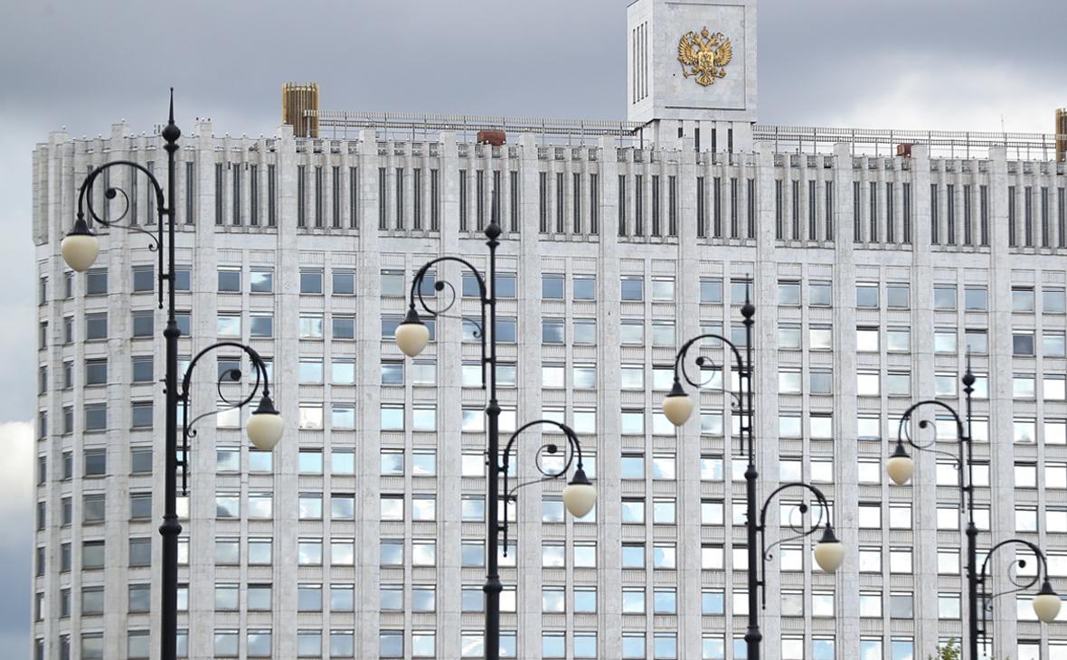 Вид на здание Дома правительства РФ