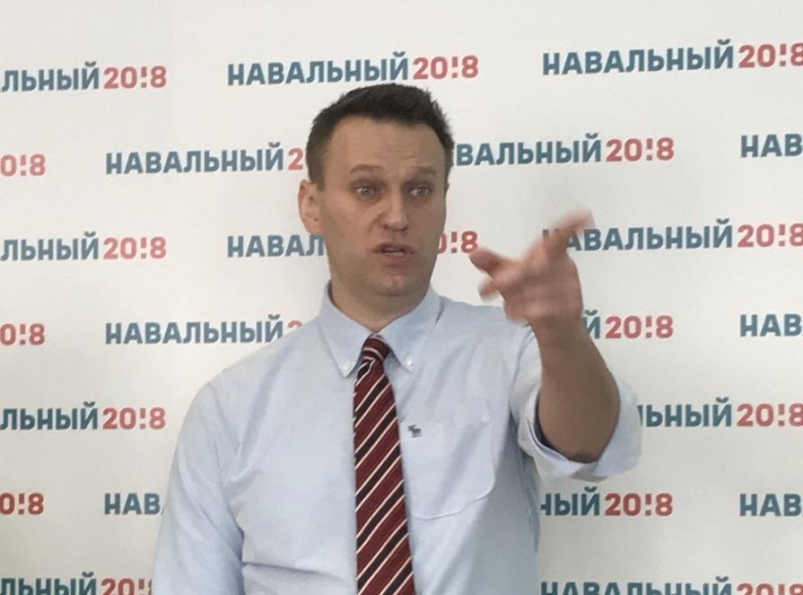 «Здесь на морозе проходят митинги. Здесь живет народ, который долгие годы голосует за коммунистов и тем самым показывает, что он не согласен с тем, что происходит в федеральном центре», - Навальный о Новосибирске