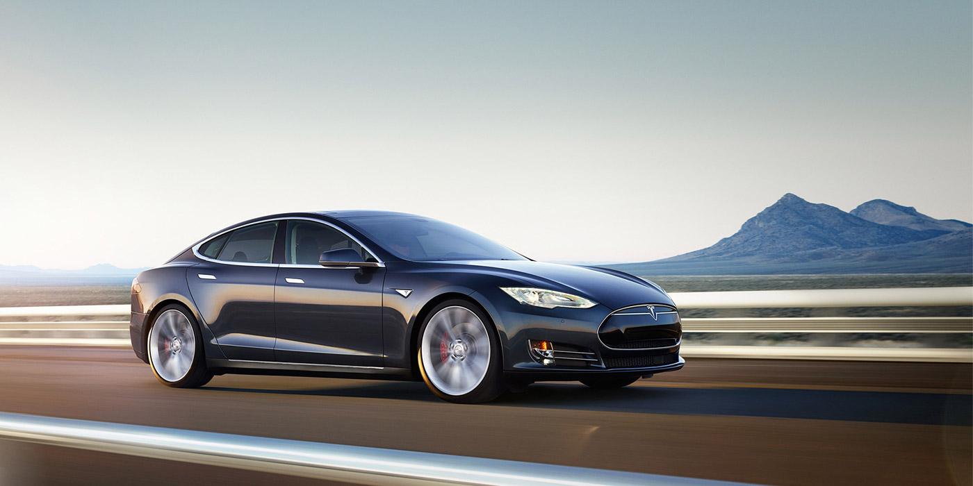 Росстандарт направил запрос в Tesla о возможной неисправности Model S