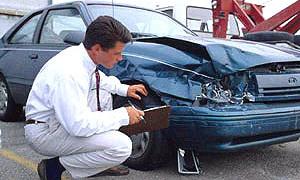 Страховые компании будут осматривать автомобили виновников ДТП