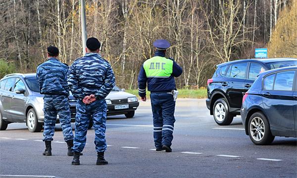 В Москве полицейские сорвали автопробег против платных парковок