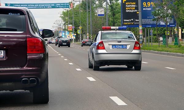 Полиция объявила врозыск выехавшего воВнуково натротуар водителя
