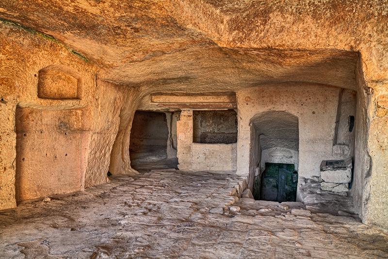 Интерьер старого пещерного дома