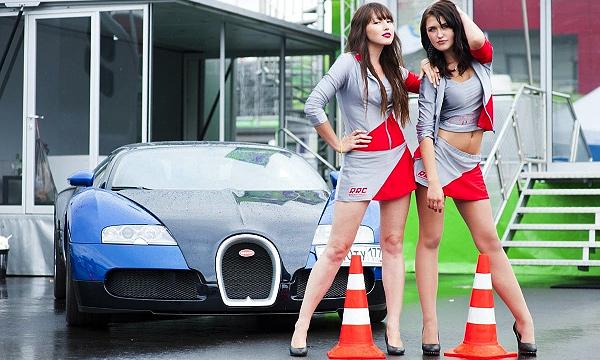 Гонки по-русски: разбитые машины и самые красивые девушки