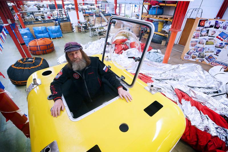 Федор Конюхов посетил компанию Cameron Balloons в Бристоле, где производится монтаж воздушного шара для его кругосветного полета