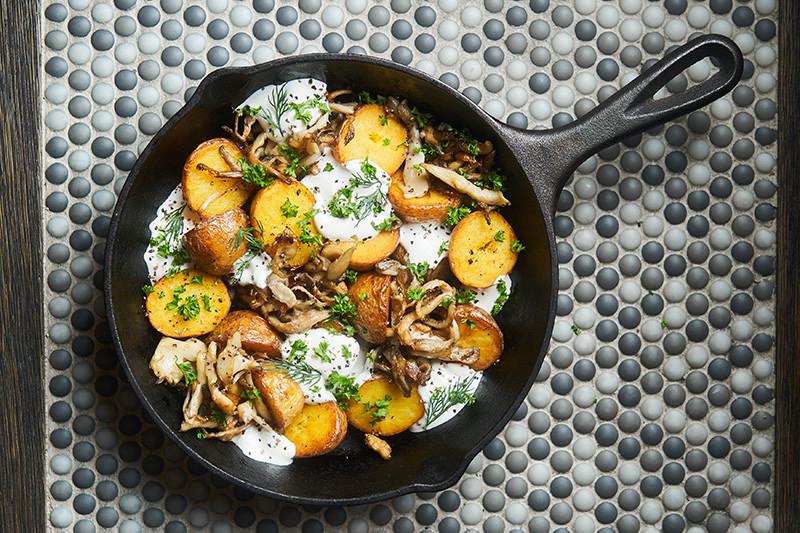Картофель с грибами и розмарином