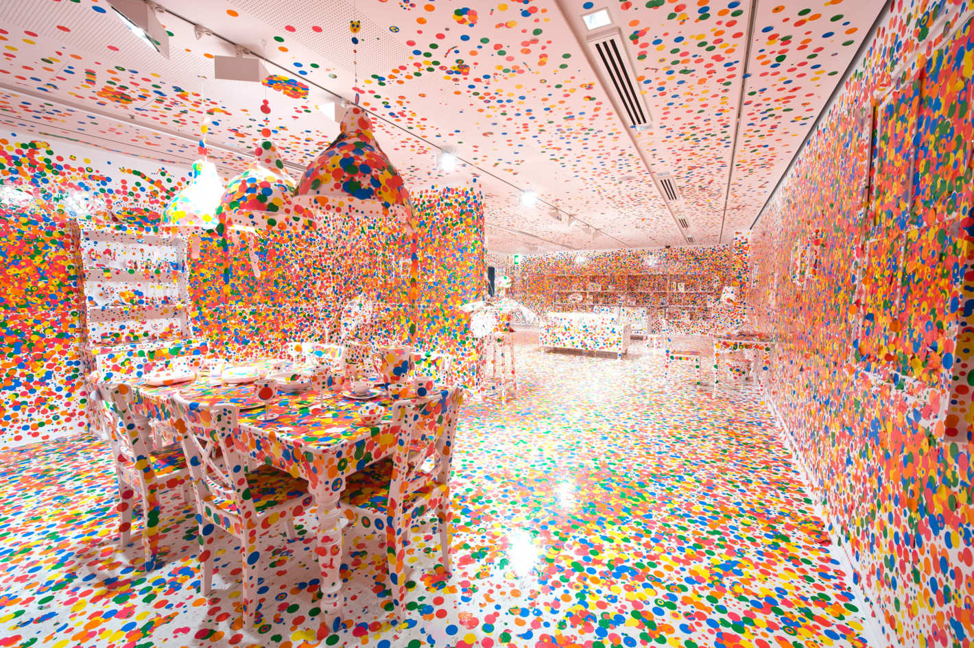 Комната забвения (The Obliteration Room), 2002–2018