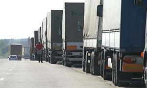 На границе Белоруссии с Латвией скопились сотни грузовиков