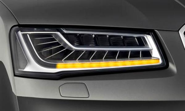 Audi показала новую систему указателей поворота