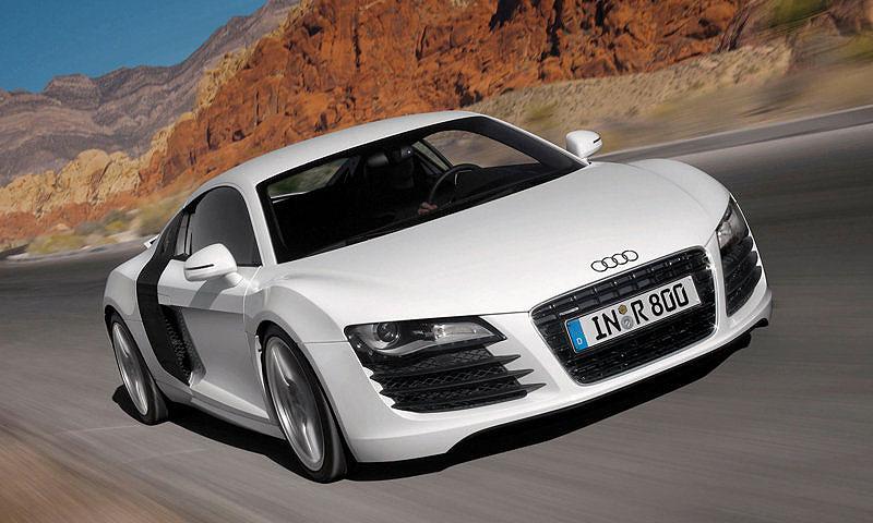 Audi R8 получит полностью светодиодную переднюю оптику