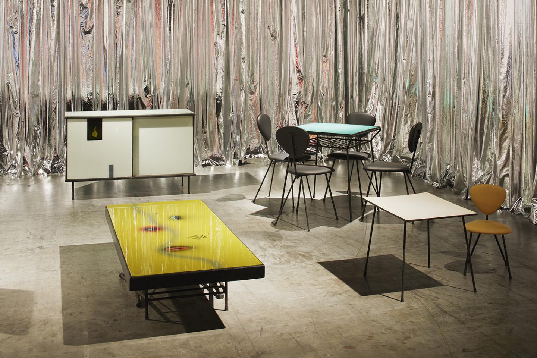 Галерея Mercado Moderno, коллекция мебели,Авраам Палатник