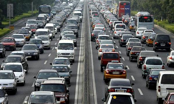 Новый закон объяснил, что такое «пробка», и ограничил права водителей