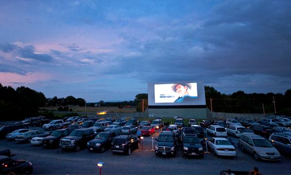Автомобили будут продавать через кинотеатры