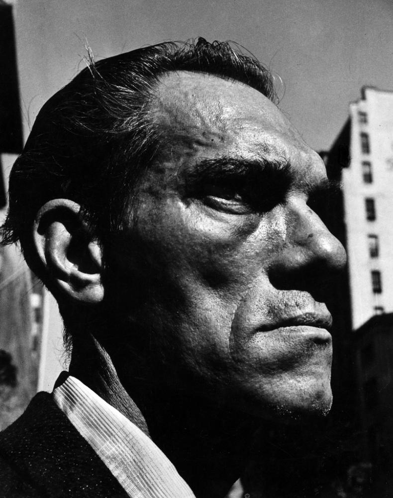 Leon Levinstein. Fifth Avenue, c. 1969