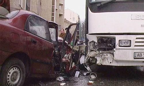 В Швеции столкнулись 50 автомобилей и автобус