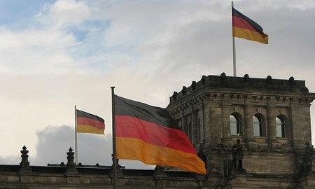 Министерство финансов Германии поддерживает заявку Magna на Opel