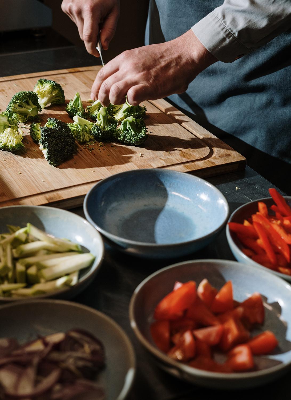 К продуктам с низким ГИ относятся многие крупы и овощи, бобовые, ягоды, несладкие фрукты