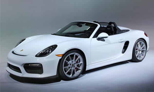 Летний сезон: в Нью-Йорке представили Porsche Boxster Spyder