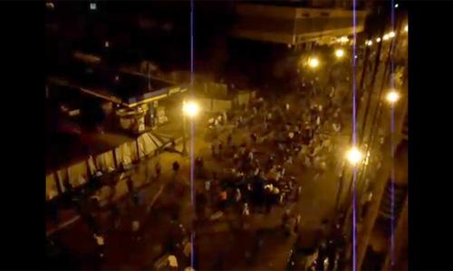 Автомобиль дипломата задавил в Каире 20 демонстрантов
