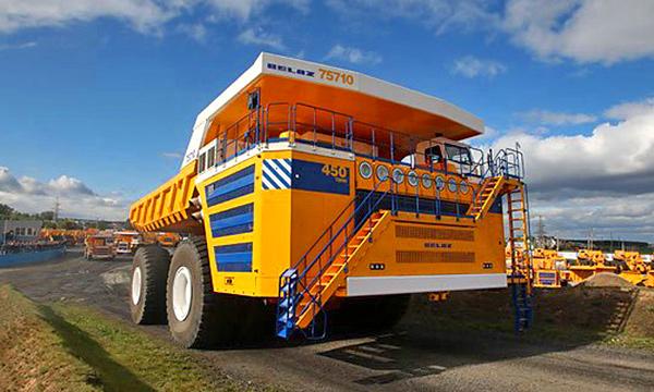 БелАЗ построил самый большой в мире самосвал