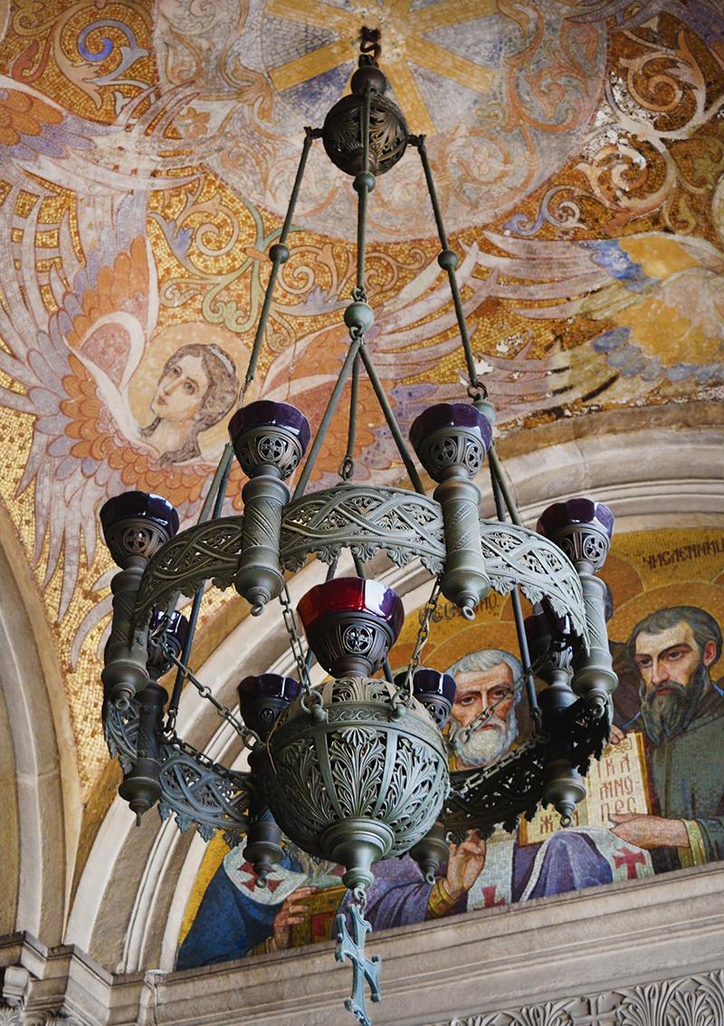 Cтаринные фрески сводчатого потолка в соборе Святого Александра Невского