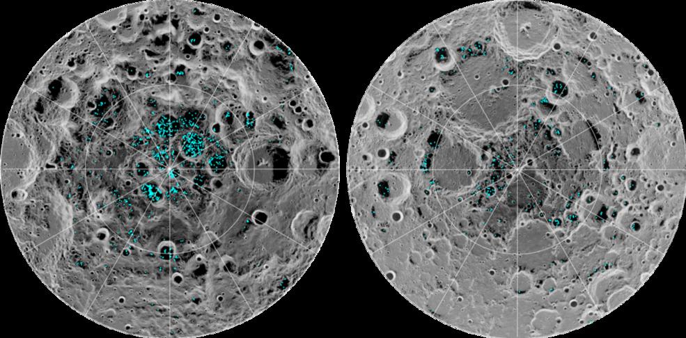 На изображении зеленым цветом показано распределение поверхностного льда на Южном полюсе Луны (слева) и Северном полюсе (справа)