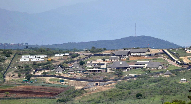 Частная усадьба южноафриканского президента Джейкоба Зумы в Нкандле.