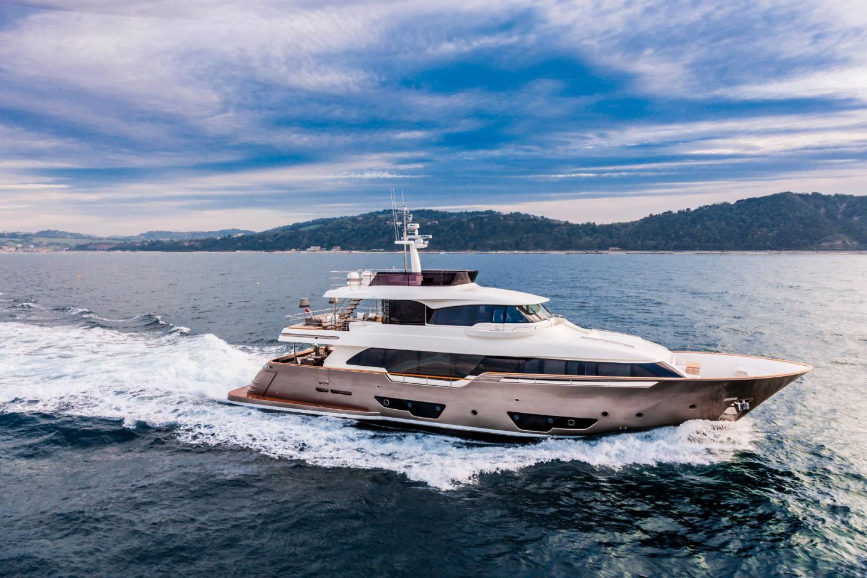 Фото: customline-yacht.com